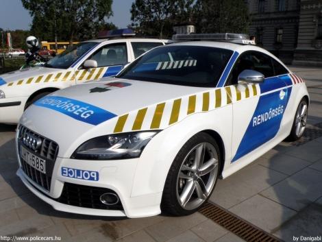 rendőrautók